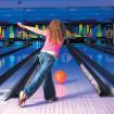 girl_bowling